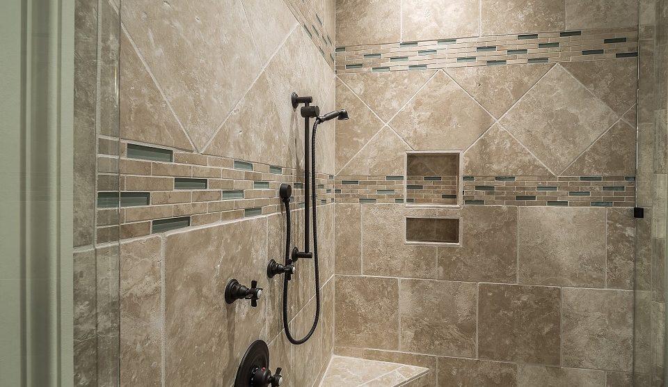 Brodzik podpłytkowy – co zrobić, by cieszyć się nim w swojej łazience?